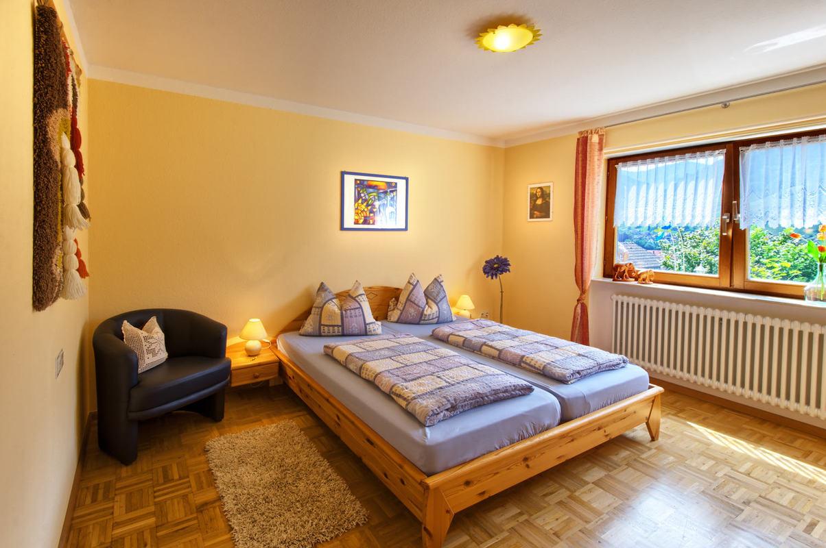 haus karola ferienwohnung 79244 m nstertal breisgau schwarzwald breisgau hochschwarzwald. Black Bedroom Furniture Sets. Home Design Ideas