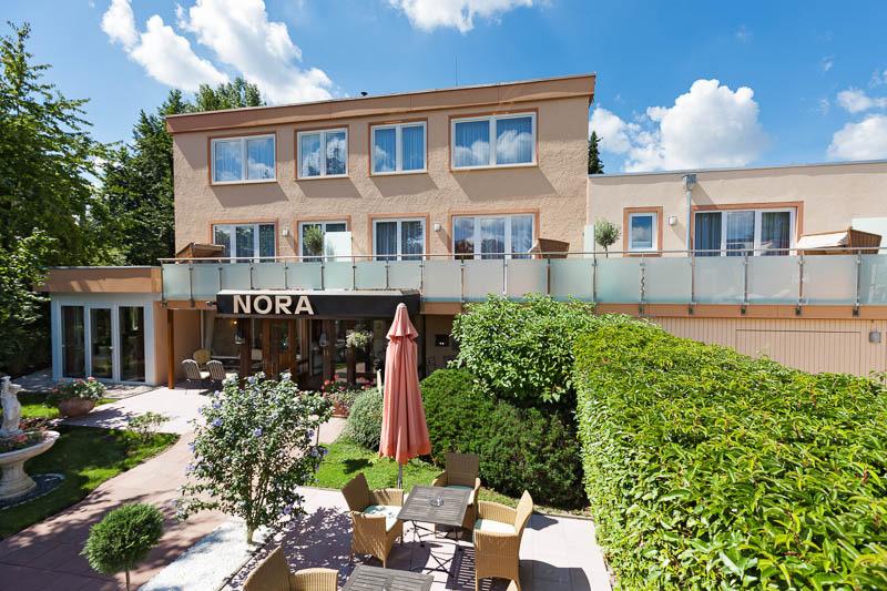 hotel nora hotel 79189 bad krozingen breisgau markgr flerland schwarzwald breisgau hochschwarzwald. Black Bedroom Furniture Sets. Home Design Ideas