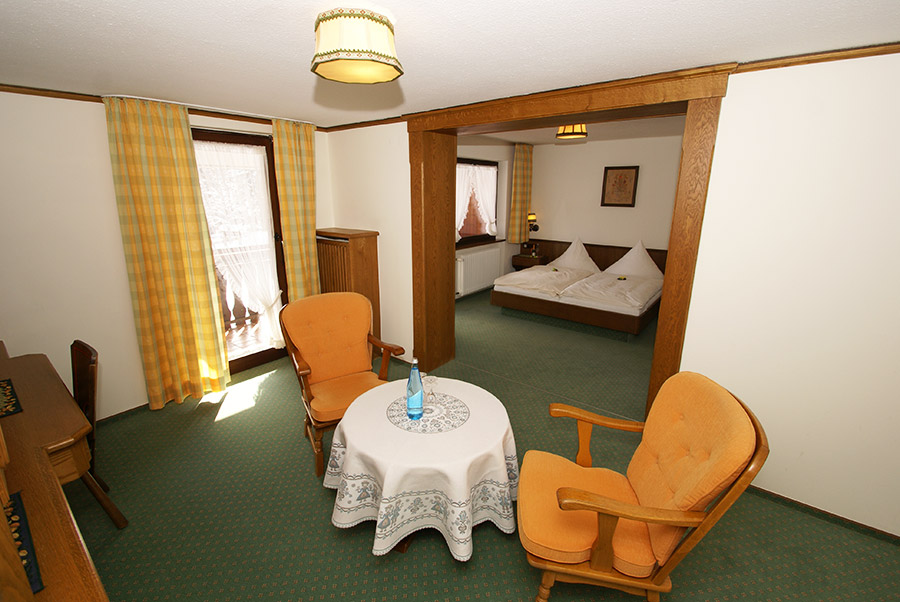 Suite: Suite