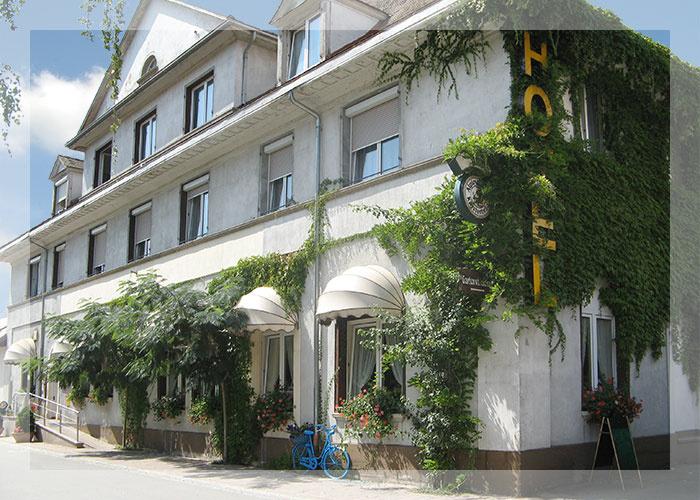 Hotel-Restaurant Neuenburger Hof   210-250 m ü. NN
