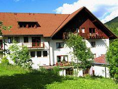 Schwarzwaldmädel Ferienwohnungen   660 m ü. NN