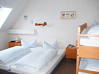 Familienzimmer: FZ :: 25 m²
