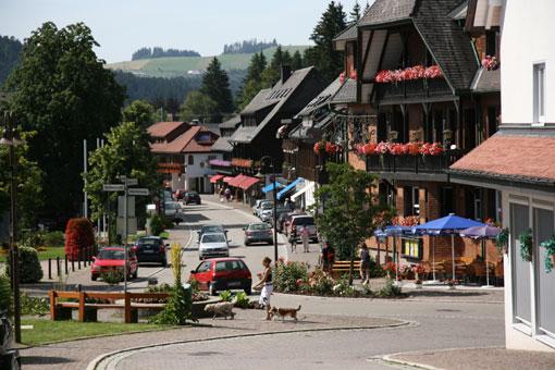 Zentrum und Einkaufsstraße Hinterzarten