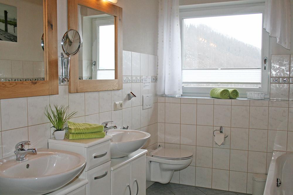 3-Zimmer-Ferienwohnung: Hofblick :: 64 m²