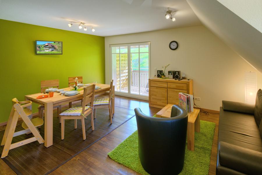 3-Zimmer-Ferienwohnung: FW-Talblick :: 75 m²