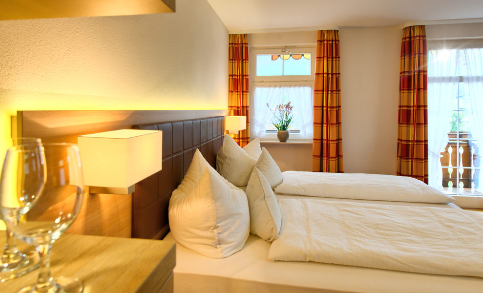 Doppelzimmer: DZ-Balkon :: 27 m²