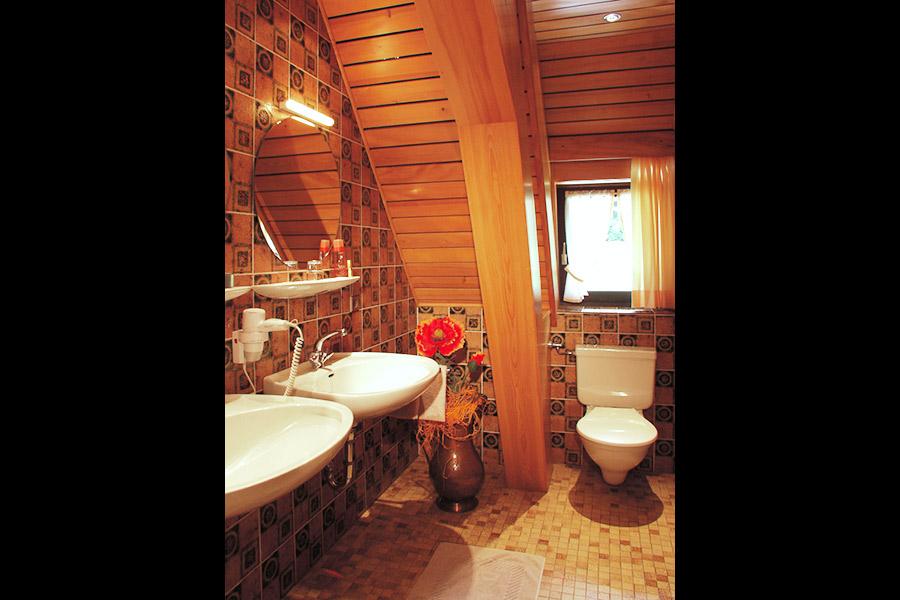 3-Zimmer-Ferienwohnung: FH-Landeck_FW-Freyersberg :: 60 m²