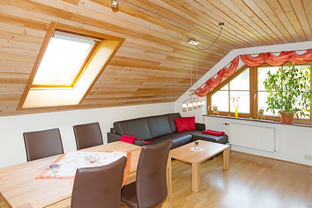 3-Zimmer-Ferienwohnung: Hofblick :: 60 m²