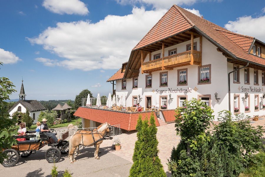 Gasthaus Sonne-Neuhäusle   800 m ü. NN